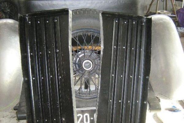 bentley-running-boards-underside98A8AAC9-93C4-489D-A456-383E492BD48C.jpg