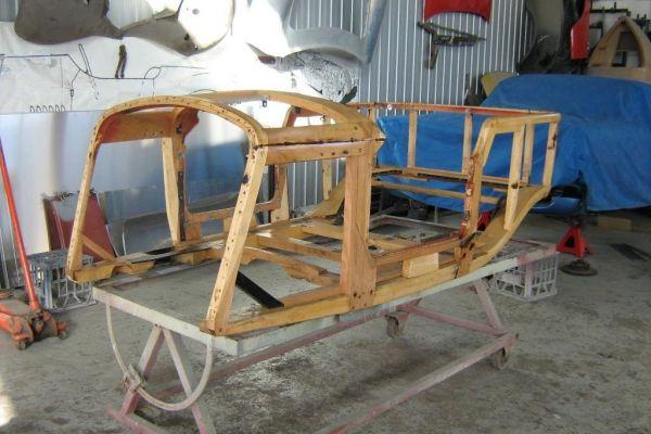 bentley-wood-shell-lhfBB74634A-3148-E30E-C67C-1B9809784DF6.jpg