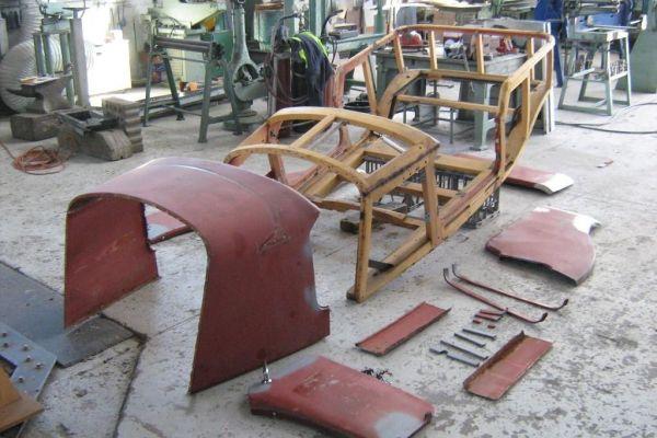 front-view-of-body-and-panels1DED15B3-7861-2B3B-96C7-A3D009FF1206.jpg